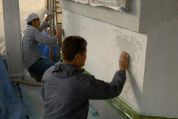 外壁工事の様子